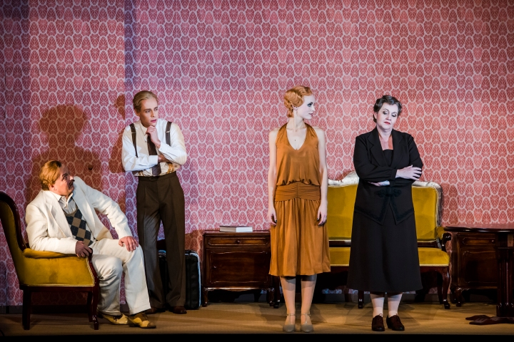 1-__cabaret___-_theater_magdeburg_-_premiere_12-11-2016